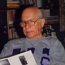 Святослав Сахарнов