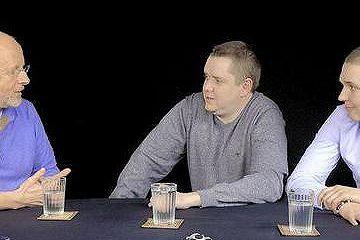 Активисты Сергей Колясников и Илья Новодворский